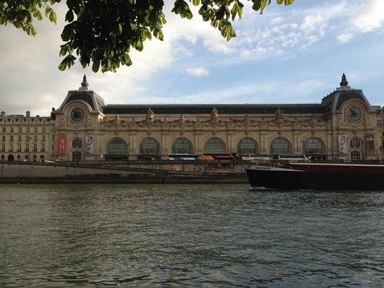 Musée d'Orsay: セーヌからの眺め