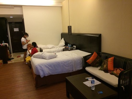BEST WESTERN Resort Kuta: Twin bed view from sitting area