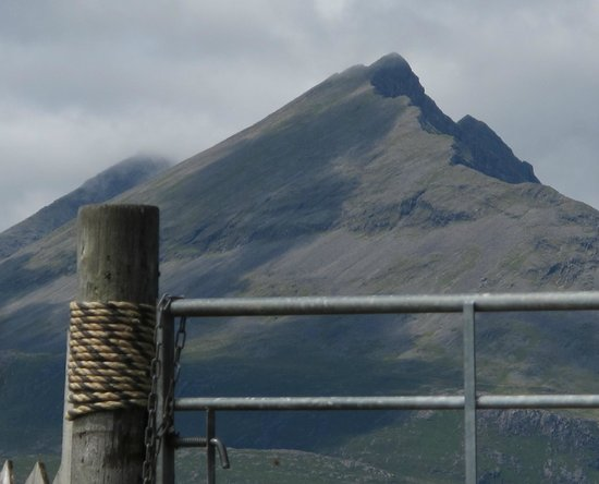 Cuillin View Gallery & Coffee Shop: And what a view!