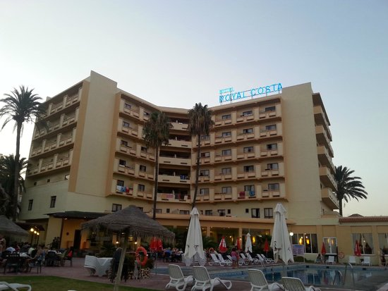 Royal Costa Hotel: Evening