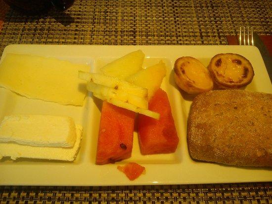 Novotel Porto Gaia : Petit déjeuner généreux pour tous les goûts