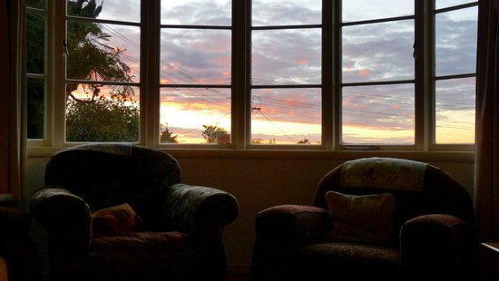 Kiwi Heritage Home Stay: Lovely sunsets
