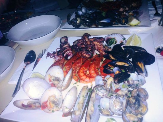 La Pasta Bistro & Grill : Sea shells platter