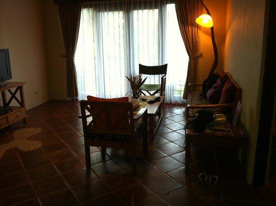 Mara River Safari Lodge: Living room