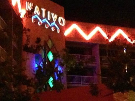 Nativo Lodge Albuquerque: Entrance of the Nativo Hotel in Albuquerque