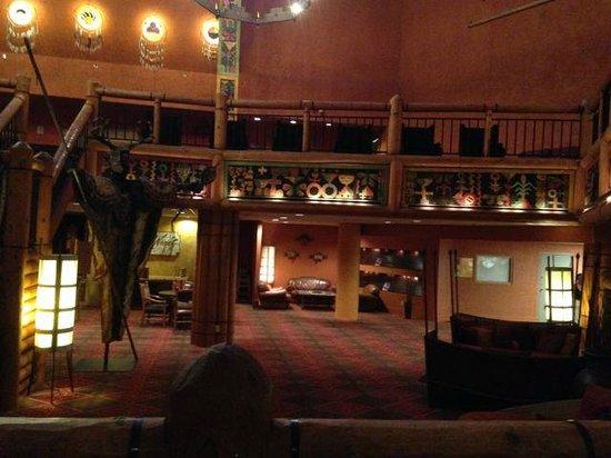 Nativo Lodge Albuquerque: Cozy areas decorated with native motives
