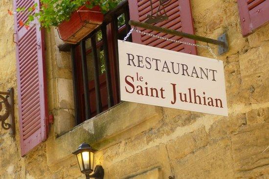 Le Saint Juhlian: enseigne
