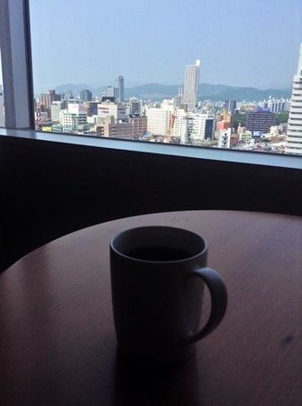 Sheraton Grand Hotel Hiroshima : morning coffee and view from 12th floor