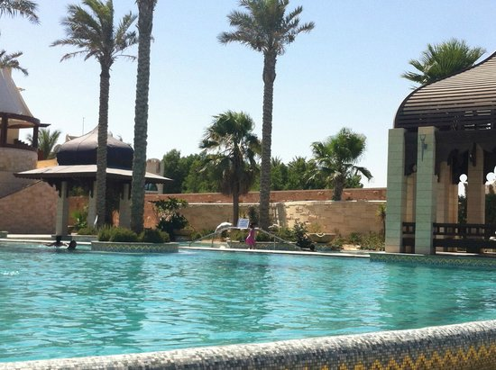 Jumeirah Messilah Beach Hotel & Spa: Pool