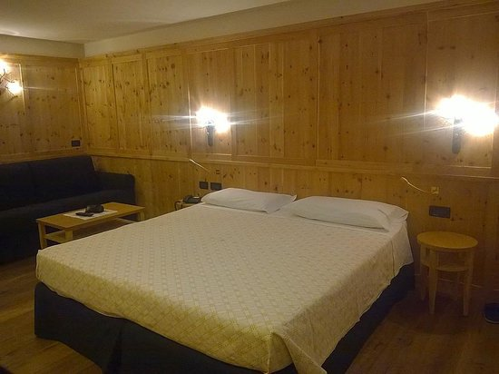 Hotel Ladina: Camera 2° piano