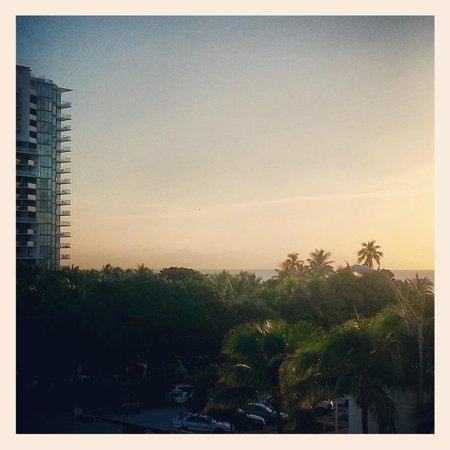 Boulan South Beach: вид из номера в 5 утра (с балкона)