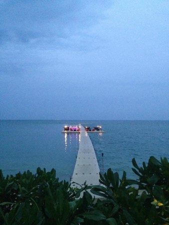 Le Meridien Koh Samui Resort & Spa: Amazing ocean bar