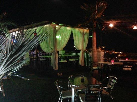 Hotel La Cumbre: Some of the outside areas