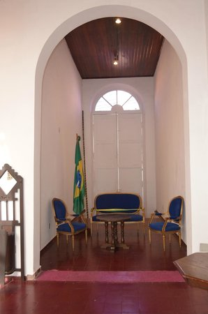 Museu Historico de Mato Grosso: I can't explain. Probably this chair used at the indepenndent ceremony