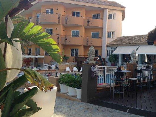 Hotel La Cumbre: Pool area