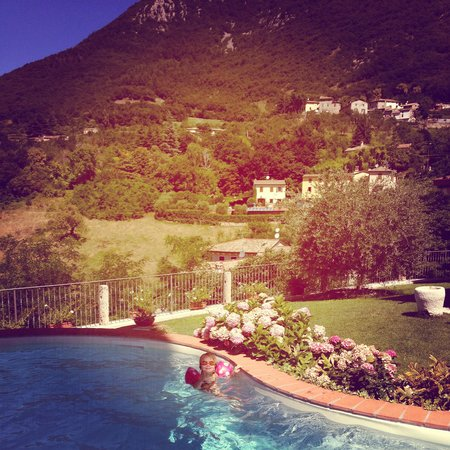 B&B Poggio Caiar : The pool