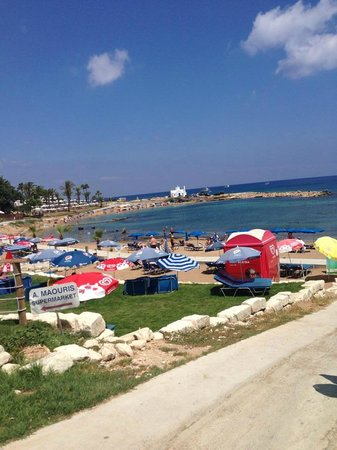 Debbie Xenia Hotel Apartments: Beach 5 mins walk.