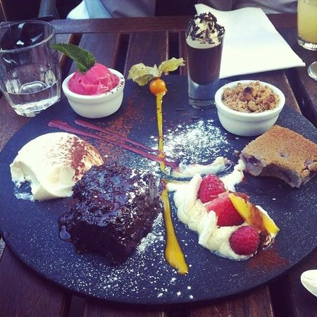 Riddle and Finns The Beach: Dessert to share