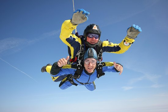Skydive Buzz Ltd: wayha camermans here