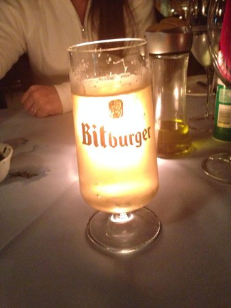Libertango Restaurant: Cerveja alemã Bitburger. Peça a carta de cervejas.