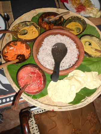 Asian Jewel Boutique Hotel: Sri Lankan curry in coconut shells