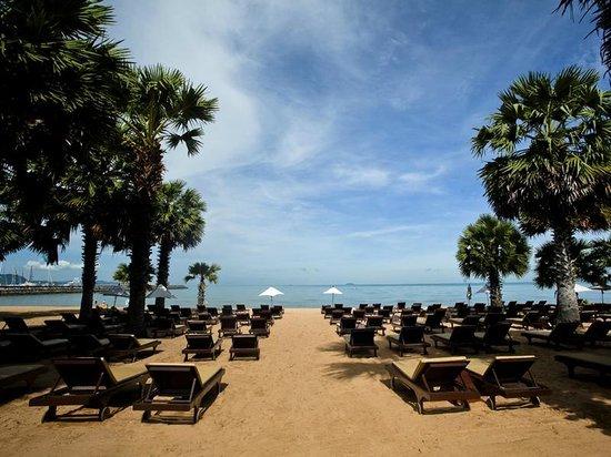 Ravindra Beach Resort & Spa : Beach