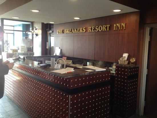 The Breakers Resort Inn: Front desk