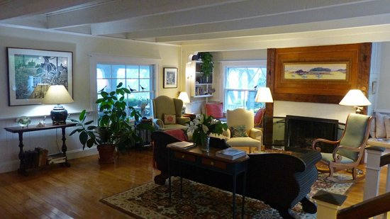 Bufflehead Cove Inn : Living Room