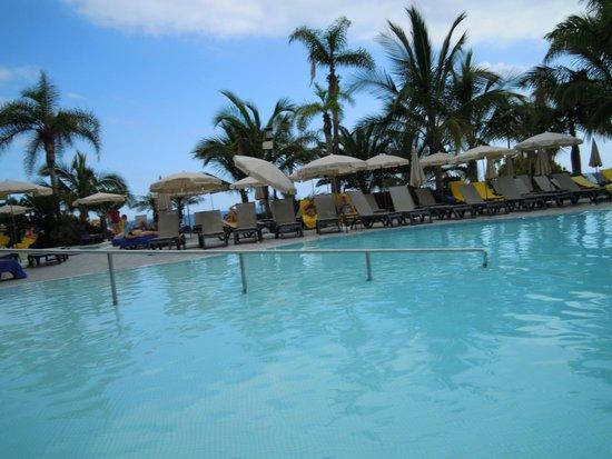 Roca Nivaria GH - Adrian Hoteles: Vista de la piscina principal