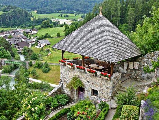 Hotel Schloss Sonnenburg: Pavillon am Kräutergarten