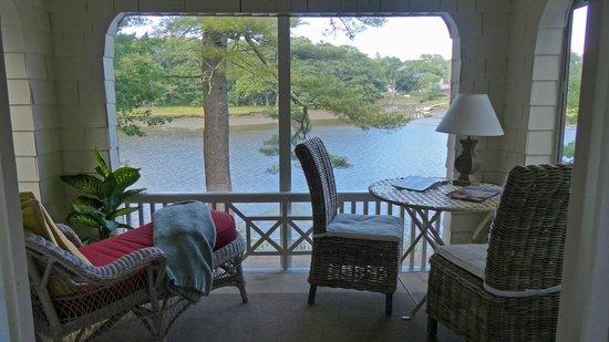 Bufflehead Cove Inn: Balcony Room Porch