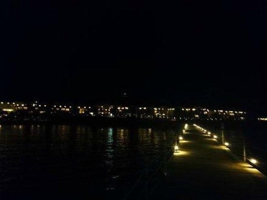 Concorde Moreen Beach Resort & Spa Marsa Alam : Nocą z mola