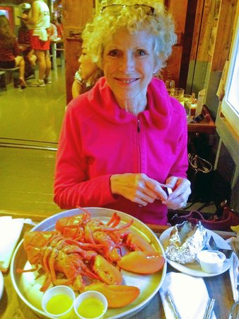 Nunan's Lobster Hut: Double lobste dinner