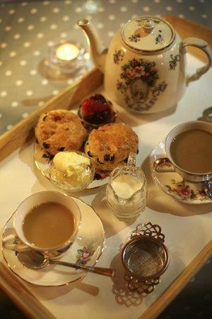 Herbert's Fine English Tearooms: Tasty treats!