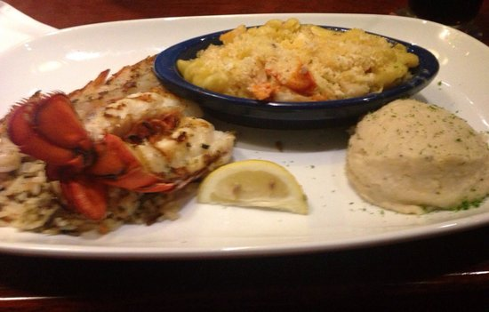 Red Lobster: Lobster feast main tail lobster and lobster Mac n cheese wish I was eating this now