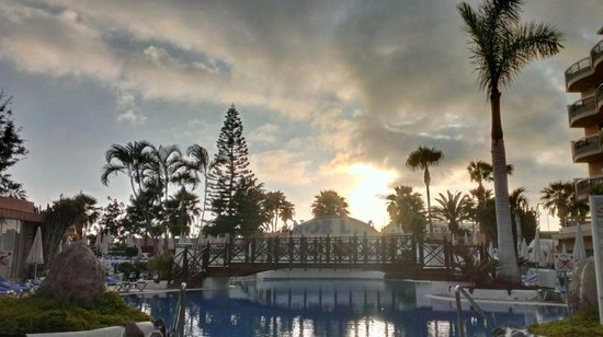 Dream Hotel Noelia Sur: Sunset and swimming pool