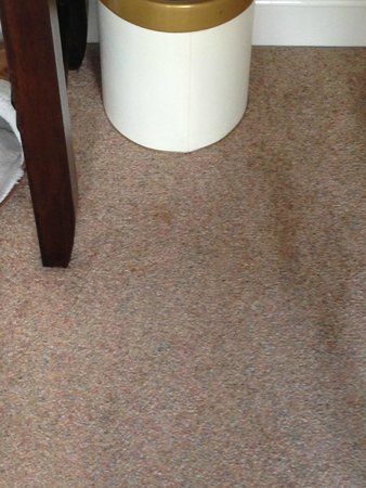 The Howbeck : Stained bedroom carpets