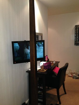 The Howbeck: Tiny TV obscured by the upgraded 4 poster bed we paid extra for and no DVD