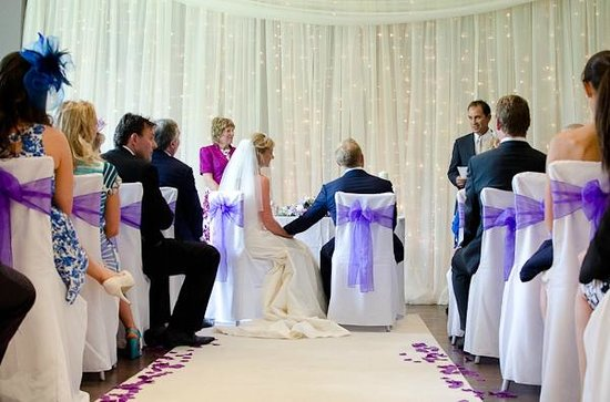 Homewood Park Hotel & Spa: Function Room Set Up For Wedding Ceremony