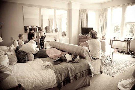 Homewood Park Hotel Spa Wedding Prep In Beautiful Room 3