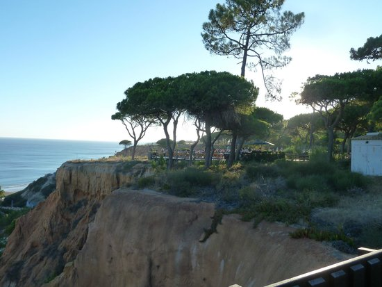 Pine Cliffs Hotel, a Luxury Collection Resort : View from cliffs