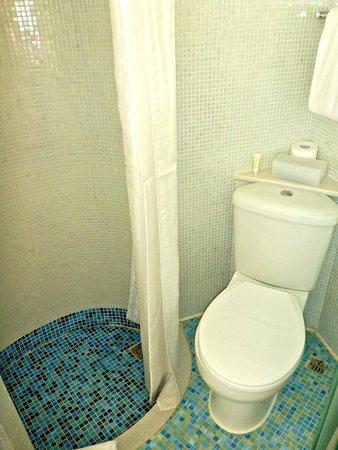 Dorsett Mongkok Hong Kong : The toilet.