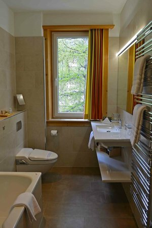 Hotel Waldhaus Am See: Badezimmer