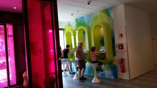prizeotel Hamburg-City: Lobby/ Internet stations