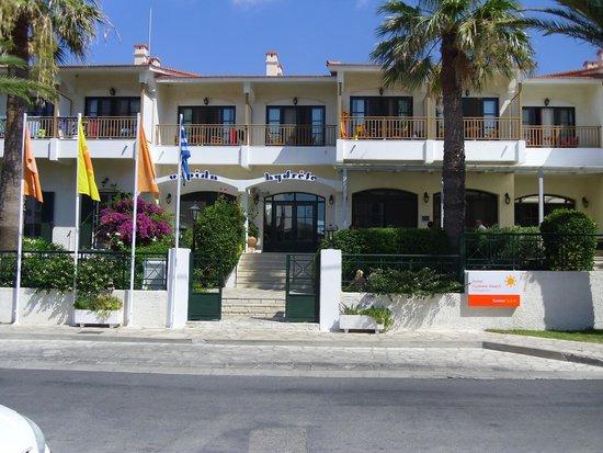 Hydrele Beach Hotel & Village: Het hotel