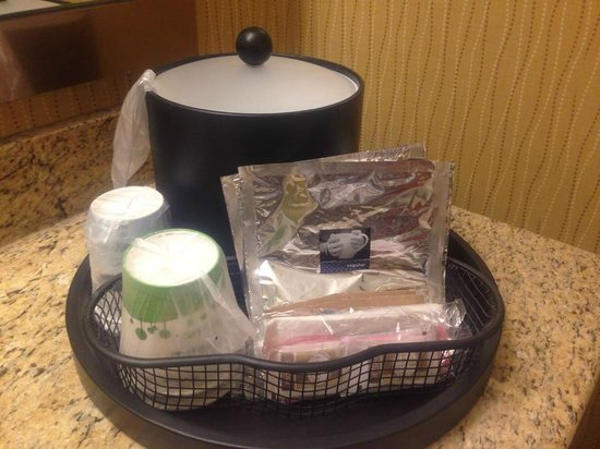 Hampton Inn Akron - Fairlawn : tea/ coffee