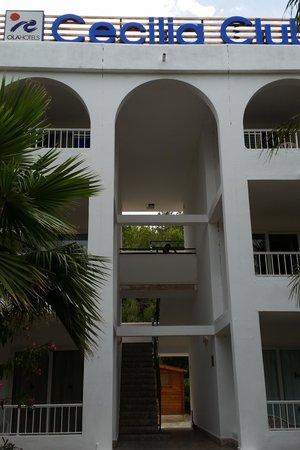 OLA Aparthotel Cecilia : viewing the main complex