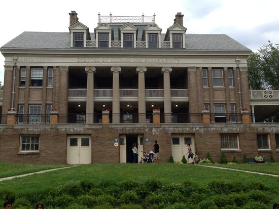 Smith Memorial Park: The kids mansion