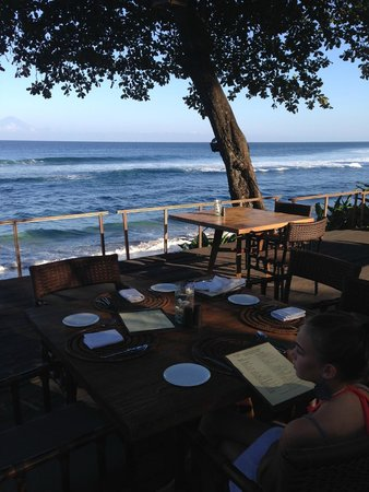 Jeeva Klui Resort: Table with a view