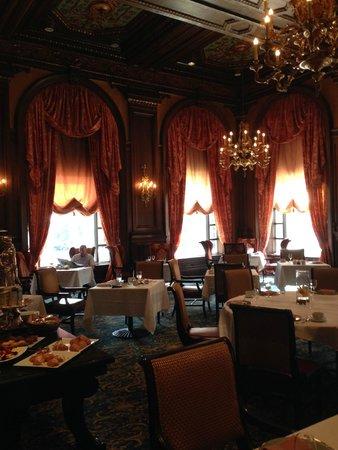 Hotel du Pont: The Green Room